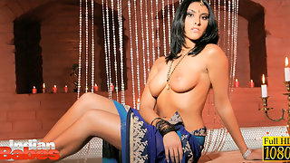 Dark haired fair complextion cock hungry Indian babe kareena