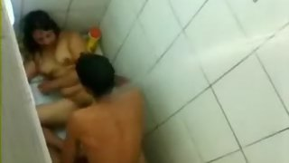 lahori couple fucking in toilet caught by their friends