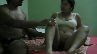 bigtits Indian wife fucked by her man from side