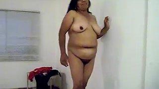 plumpy desi bhabhi naked in lounge exposing herself