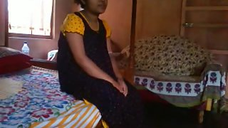 Young lucknow bhabhi exposing her boobs from nighty